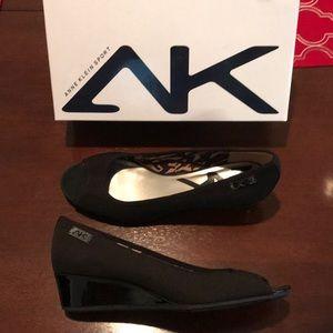 Anne Klein Sport LIKE NEW open toe wedge sz10